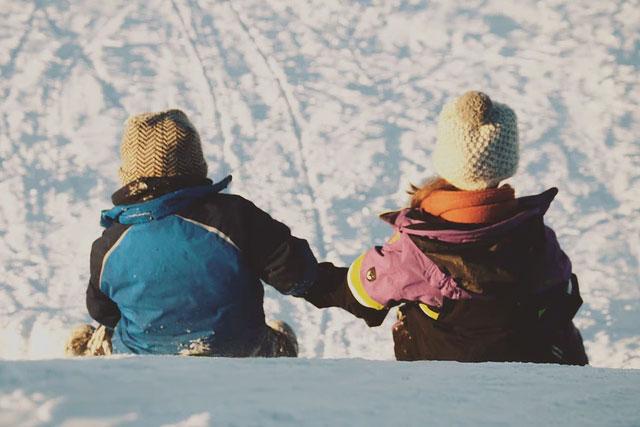 fremhævede billede 4 Tips om genbrugs shopping af børnetøj Stop med at gætte – kend dine børns mål - 4 Tips om genbrugs-shopping af børnetøj