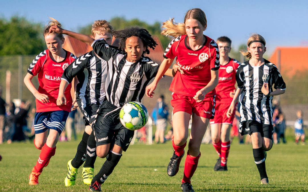 Lad idrætten udfordre dit barn på Ladelund Efterskole